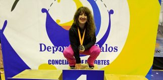 Amalia Callejón Ballesteros, Atleta Élite de Powerlifting Raw.