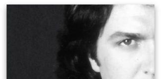 Camilo Sinfónico se publica el 23 de noviembre en dos ediciones. La edición deluxe incluye las colaboraciones de Marta Sánchez, Mónica Naranjo, Pastora Soler y Ruth Lorenzo y un dvd con un documental biográfico de 70 minutos de duración.