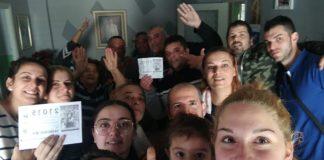 La familia de Torre del Mar adquirió el número online y compraron 12 décimos,