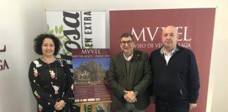 El alcalde de Vélez-Málaga, Antonio Moreno Ferrer, la concejala de Cultura, Cynthia García y el director del Museo de Vélez-Málaga, Emilio Martín, presentaron los detalles del programa de actividades del event.