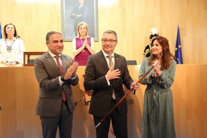 Francisco Salado ha sido elegido presidente de la Diputación de Málaga, con los votos del PP y de Ciudadanos.