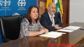Alcaldesa y primer teniente alcalde en rueda de prensa(1)
