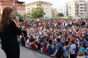 Escolares participan en los actos contra la violencia de género en Vélez-Málaga