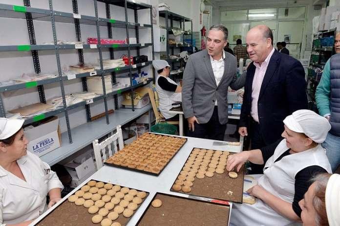 Este año se producirán en el municipio más de cinco millones de kilos de dulces, un 27% más que en 2016.