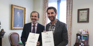 El Colegio de Abogados de Málaga reconoce así el compromiso del artista malagueño en la lucha contra el maltrato y su dedicación para velar por los derechos de los animales.