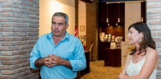 El alcalde, Alejandro Herrero, junto a la concejala Carmen Cerezo ha hecho balance de la gestión turística y cultural de Frigiliana durante el pasado 2017.