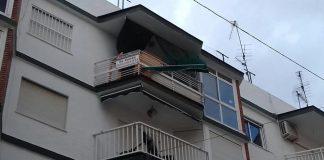Caída de un toldo en una vivienda de calle Princesa.