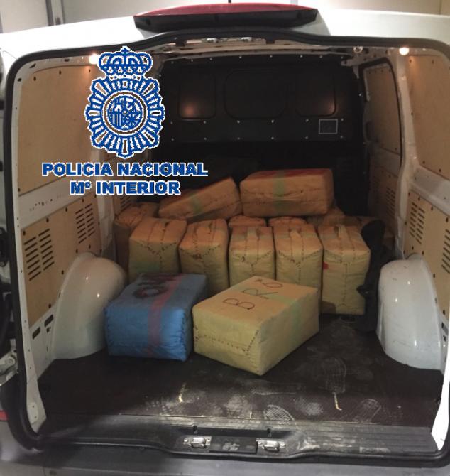 La Policía Nacional desarticula una organización de narcotraficantes de hachís y detiene a sus seis integrantes