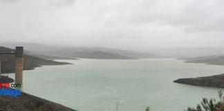 Imagen actual del Pantano de La Viñuela tras las recientes lluvias.