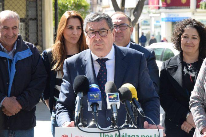 """el alcalde socialista de Vélez-Málaga y coordinador provincial del Consejo Territorial del PSOE de Málaga, Antonio Moreno Ferrer, ha lamentado que """"este nuevo presupuesto del PP y de Rajoy solo sirve para incrementar las desigualdades sociales."""
