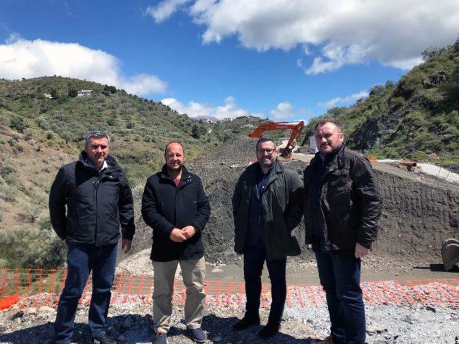 El PSOE pide al PP en la Diputación que actúe en la carretera que une Cájiz con Iznate afectada por el último temporal