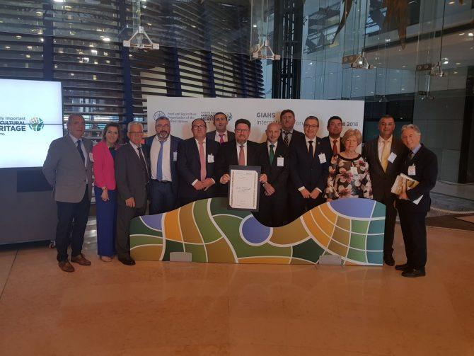 La Diputación resalta la importancia para la Axarquía de la acreditación de la uva pasa moscatel como patrimonio agrícola mundial