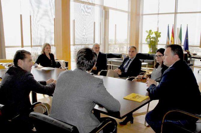La UNED extenderá la educación universitaria a los municipios más pequeños de la provincia a través de la Red Guadalinfo