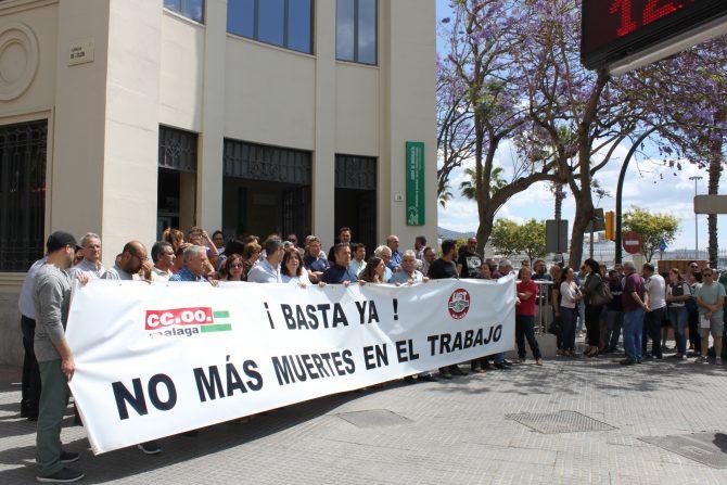 Concentración contra los accidentes laborales en Antequera