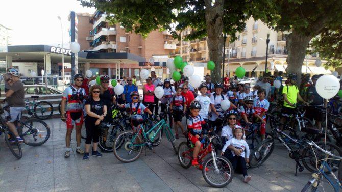 La Escuela Ciclista Los Tiburones participa en el Día del Pedal de Vélez-Málaga