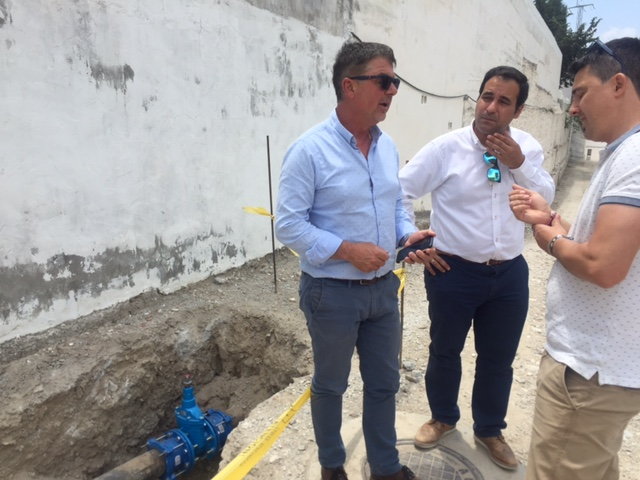La Diputación invierte 150.000 euros en mejorar el abastecimiento de agua a Arenas, Canillas de Albaida y Sayalonga