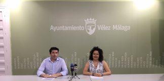 La concejala de Educación y Cultura, Cynthia García, y el director de la Escuela de Música y Danza de Vélez-Málaga, Carlos De Vicente, explicaron que hasta el 29 de junio está abierto el plazo de matriculación para el curso 2018–2019, con enseñanzas dirigidas a niños y niñas a partir de los 4 años.