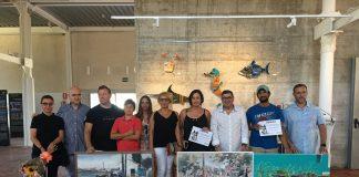 La entrega de Premios tuvo lugar en la Antigua Azucarera de Torre del Mar y contó con la presencia del nieto del maestro Hernández, Iván, y de sus hijas (Carmen, María Jesús y Marta).
