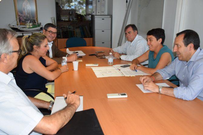 La Junta licita por cerca de 400.000 euros mejoras en el puerto de Caleta de Vélez