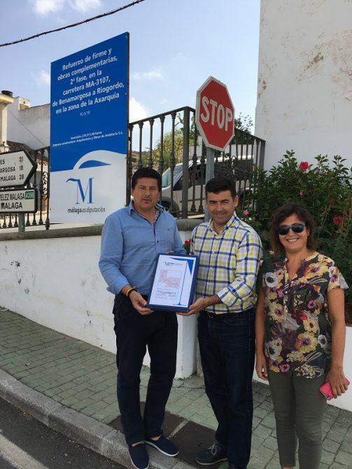 La Diputación de Málaga ha invertido más de 270.000 euros en una actuación que durará seis meses y que permitirá la mejora del firme y la creación de cunetas a lo largo de 3,5 kilómetros.
