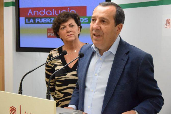 """Ruiz Espejo hace un llamamiento al resto de fuerzas políticas para que respalden el techo de gasto y objetivo de déficit propuesto por el Gobierno, que beneficiaría a Málaga con 70 millones """"con los que podríamos afrontar un tercio del nuevo hospital para Málaga, catorce centros de salud o catorce centros educativos""""."""