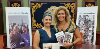Se trata de dos guías de 180 páginas traducidas parcialmente al inglés que se podrán encontrar de forma gratuita en la Oficina de Turismo de Nerja así como en las principales oficinas de turismo de Málaga capital y provincia y hoteles de la provincia.