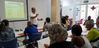 En toda Andalucía, ha facilitado más de 20.300 ayudas para necesidades básicas: alimentación, higiene, ropa, calzado o pago de suministros.