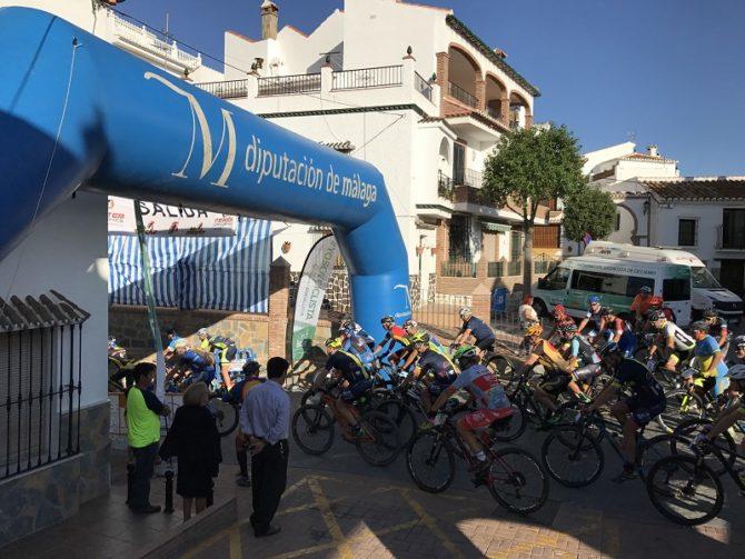 La ruta cicloturista de Comares cumple diez ediciones enmarcada en el XX Circuito provincial de bicicleta de montaña `Diputación de Málaga'