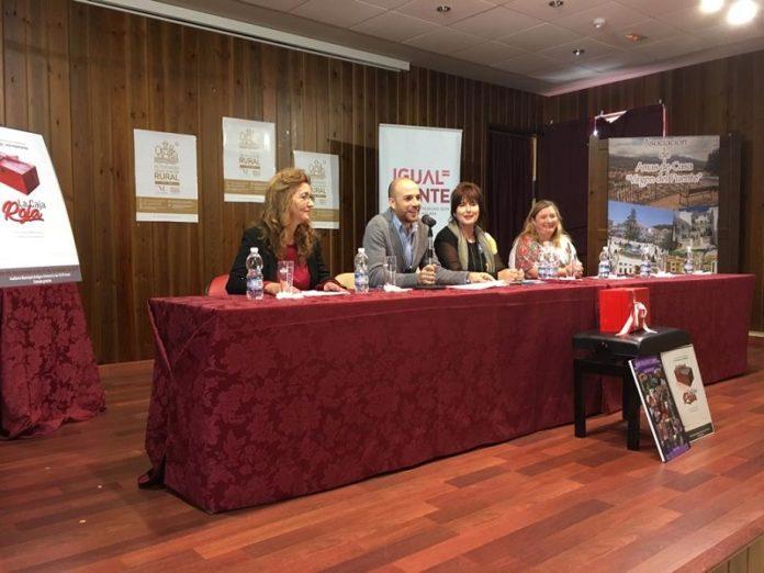 La Diputación de Málaga continúa celebrando actividades vinculadas al Día de la Mujer Rural y hoy en Villanueva del Trabuco ha congregado a entidades sociales de la provincia para debatir sobre asuntos de actualidad.