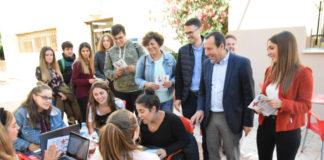 """Ruiz Espejo explica que 13.874 malagueños y malagueñas se benefician de la bonificación del 99% de la matrícula universitaria. """"En Andalucía puede estudiar todo aquel que se esfuerce por aprobar sin preocuparse de si puede pagar sus estudios"""", ha dicho."""