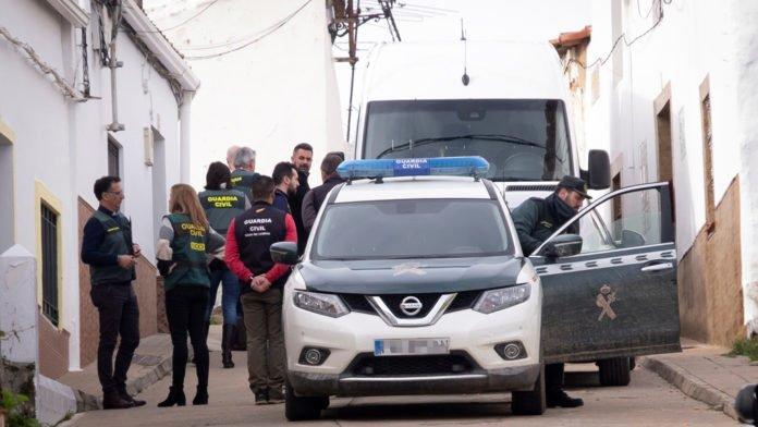 Laura Luelmo, que desapareció el pasado día 12 en El Campillo (Huelva), murió dos o tres días después de ese golpe, según el análisis de los forenses.
