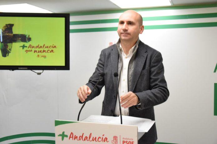 Francisco Conejo critica que Inés Arrimadas afirme que Ciudadanos no va a llegar a acuerdos con Vox cuando en Andalucía ya han pactado con la extrema derecha la presidencia de la mesa del Parlamento.