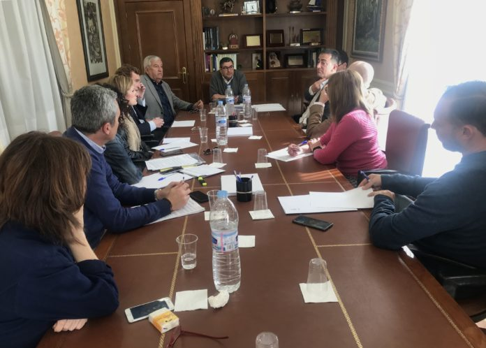 Reunión de la Junta de Gobierno Local, órgano de máxima representación política para los ciudadanos de Vélez-Málaga.