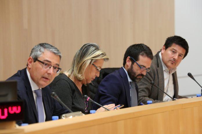 El Pleno de la Diputación de Málaga ha aprobado una modificación presupuestaria por un importe de 1.725.000 euros para acometer diversos proyectos.