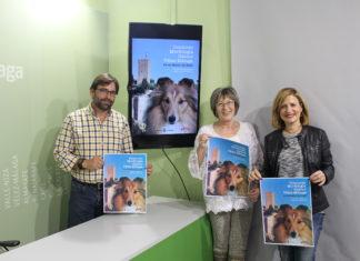 La concejala de Agricultura y Pesca, María Santana, y representantes de la Sociedad Canina Costa del Sol, presentaron el concurso de morfología canino que se desarrollará el domingo 24 de marzo en el Paseo de Andalucía.
