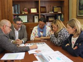Moreno Ferrer se reunió con la junta directiva de la asociación y con el arquitecto responsable para la aceptación definitiva de los aspectos técnicos que tendrá la nueva estructura y así poder avanzar en la realización del proyecto básico y en la solicitud de la financiación para la misma.