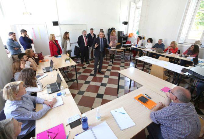 El presidente de la Diputación, Francisco Salado, recuerda que la Diputación destina este año 7,5 millones de euros a políticas de empleo.