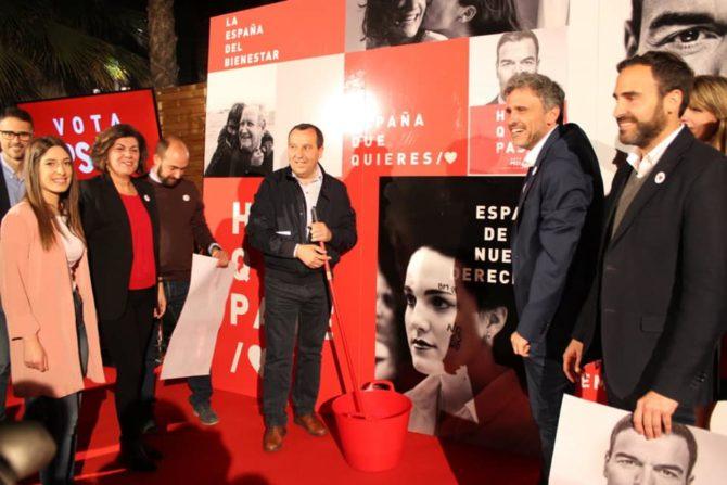 El arranque de la campaña electoral del 28-A en Málaga, en fotos