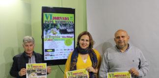 La concejala delegada en Trapiche, Ana M.ª Campos, acompañada por representantes de la Asociación Amigos de El Trapiche, informó de los detalles de la programación del evento que tendrá lugar el domingo 7 de abril a partir de las 11.00 horas y contará con la actuación de 'Electroduendes'.