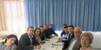El delegado territorial de Agricultura se reúne con alcaldes y colectivos de la Axarquía para iniciar el proceso que garantice la defensa de este producto, de-clarado Sipam.