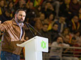 Más de 5.000 personas abarrotaron la plaza de toros de Las Rozas para escuchar a los candidatos de VOX al Congreso con Santiago Abascal a la cabeza.