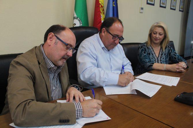La Mancomunidad cofinancia con Cruz Roja un convenio de formación para favorecer la inclusión social de los vecinos de la Axarquía
