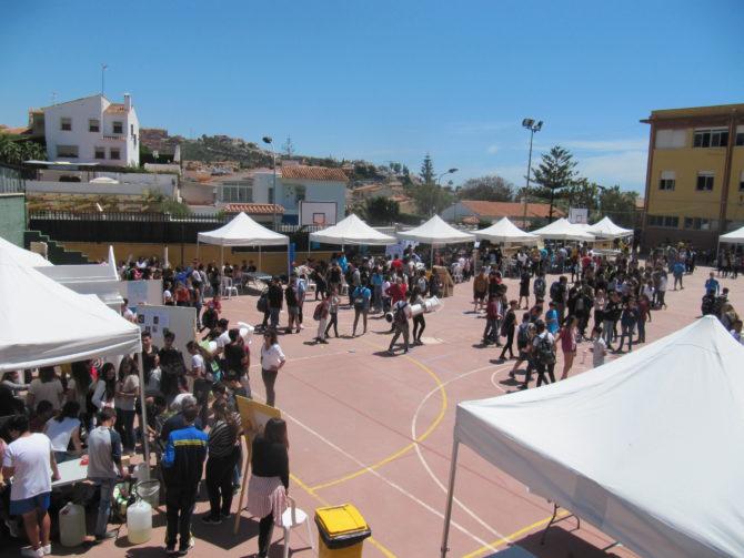 Más de 3.000 personas visitan el XI Encuentro de Ciencias Bezmiliana del Rincón de la Victoria