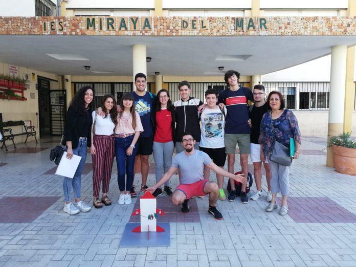 Diez alumnos del instituto torreño junto a dos de sus profesoras presentarán su proyecto en el Palacio de Exposiciones y Congresos de Sevilla este fin de semana.