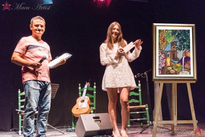 Macu Artist ha agradecido que su obra pictórica haya sido la elegida para la promoción de la fiesta de la localidad de la Axarquía.
