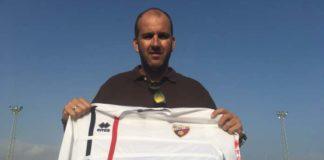 Francis Muñoz Parrado viene de entrenar a los equipos de Algarrobo y Torre del Mar a los que ha ascendido.