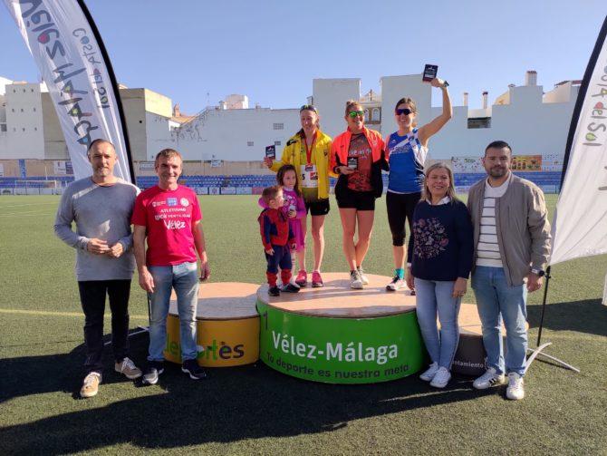 Díaz Carretero y Mónica Ballesteros ganan la VI Media Maratón Ciudad de Vélez-Málaga