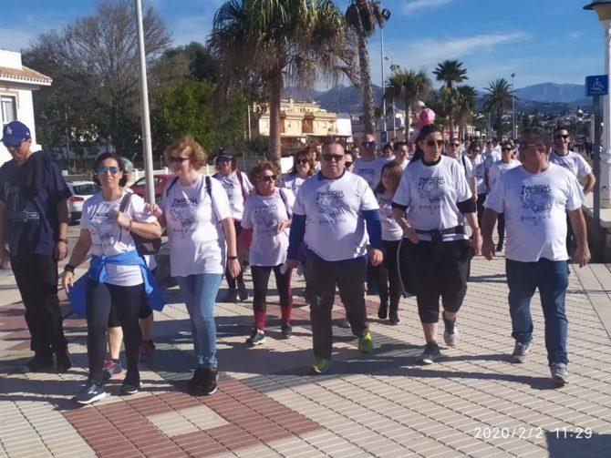 Más de 1.000 personas participan  en la Marcha Solidaria por la Paz celebrada en Caleta de Vélez