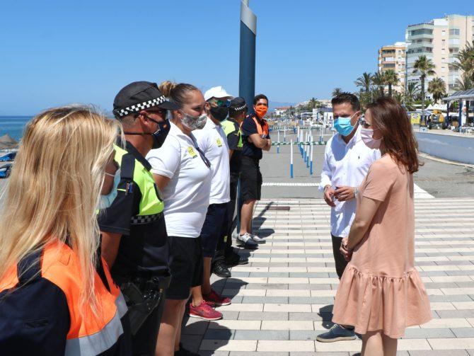 Las playas de Torrox contarán con 30 auxiliares de la Junta de Andalucía