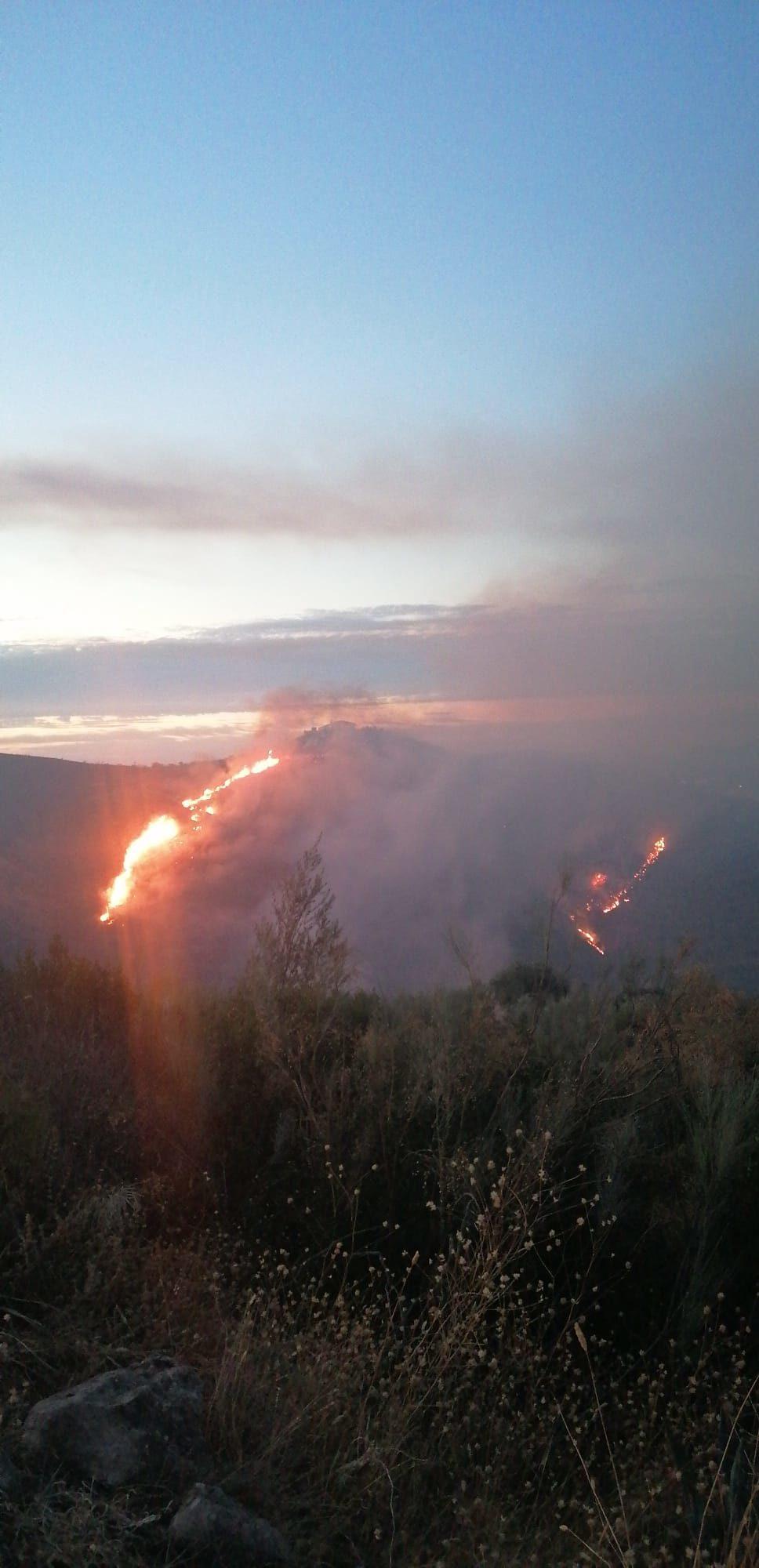 El incendio de Colmenar ha sido estabilizado y los vecinos regresan a casa.